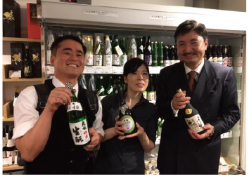 左:営業の山田(ダーヤマ)さん 右:太田社長